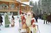 Дед Мороз выезжает из Вотчины в город